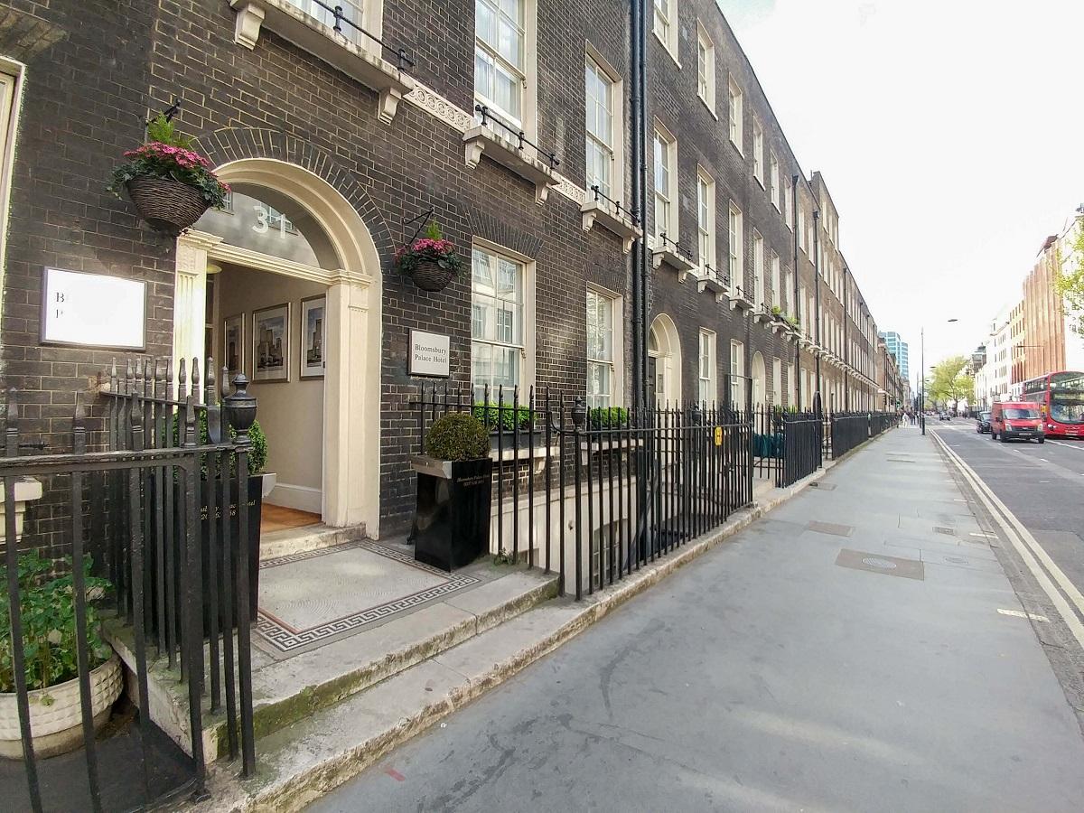 Façade de l'hotel Bloomsbury Palace Hotel à Londres